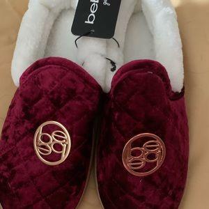 NWT Bebe girls slippers burgundy size 4/5